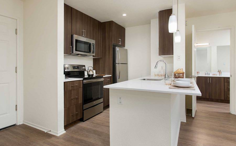 eaves Seal Beach for rent