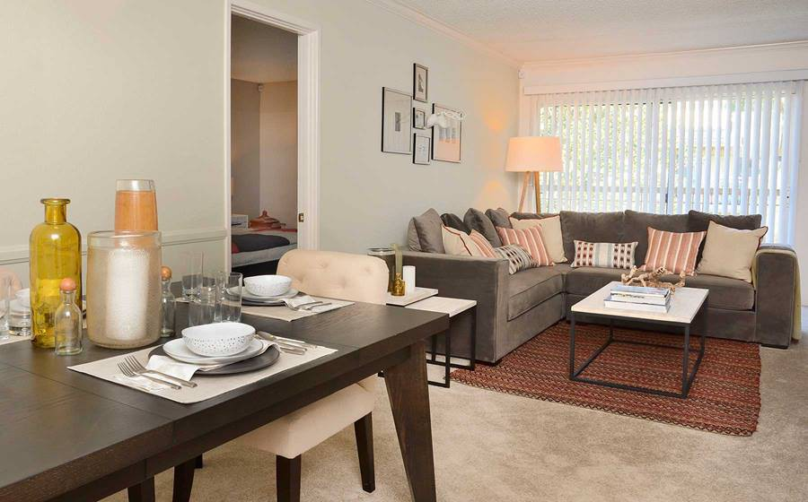 eaves Woodland Hills for rent