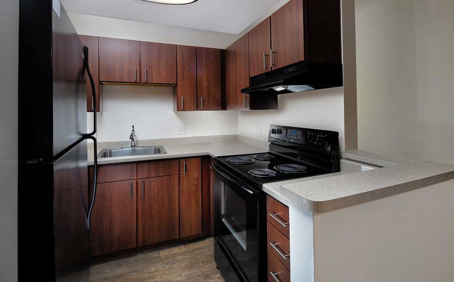 eaves Quincy for rent