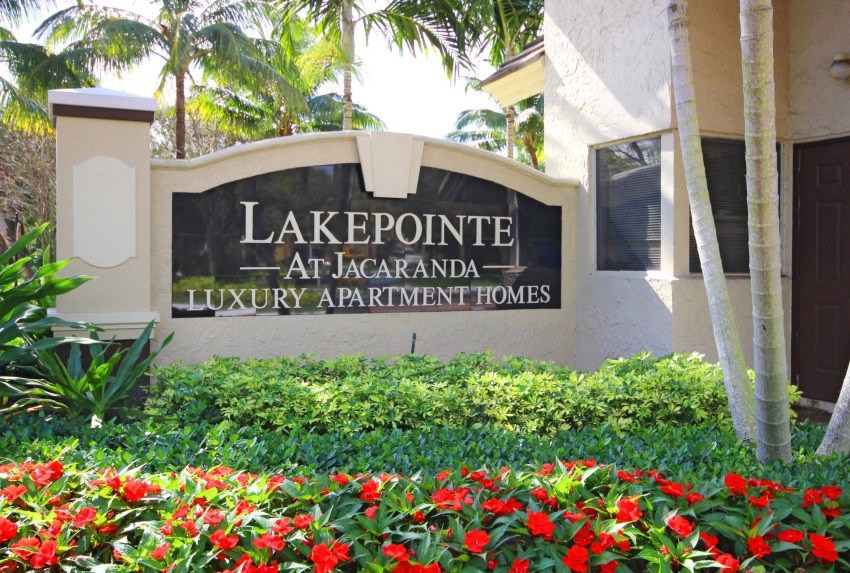 Apartments Near Everest Lakepointe at Jacaranda for Everest University Students in Pompano Beach, FL