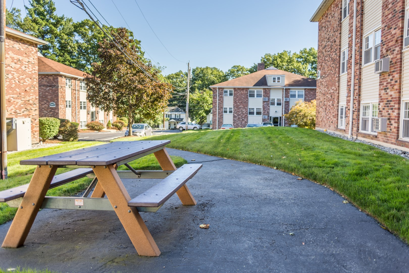 Apartments Near Merrimack Princeton at Mount Vernon for Merrimack College Students in North Andover, MA