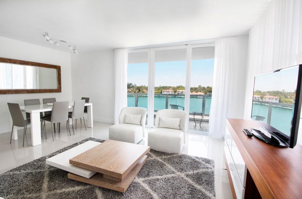 Seacoast Suites photo