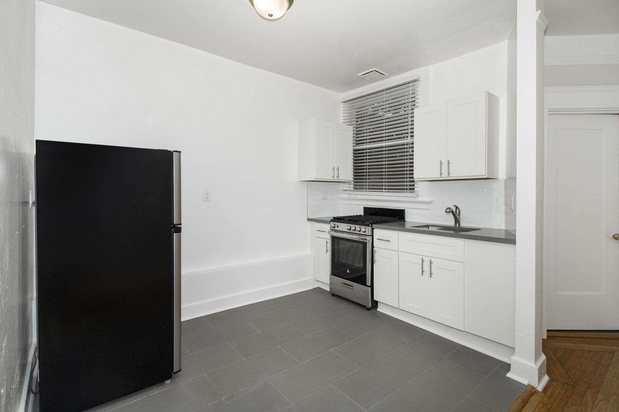 925 PIERCE Apartments
