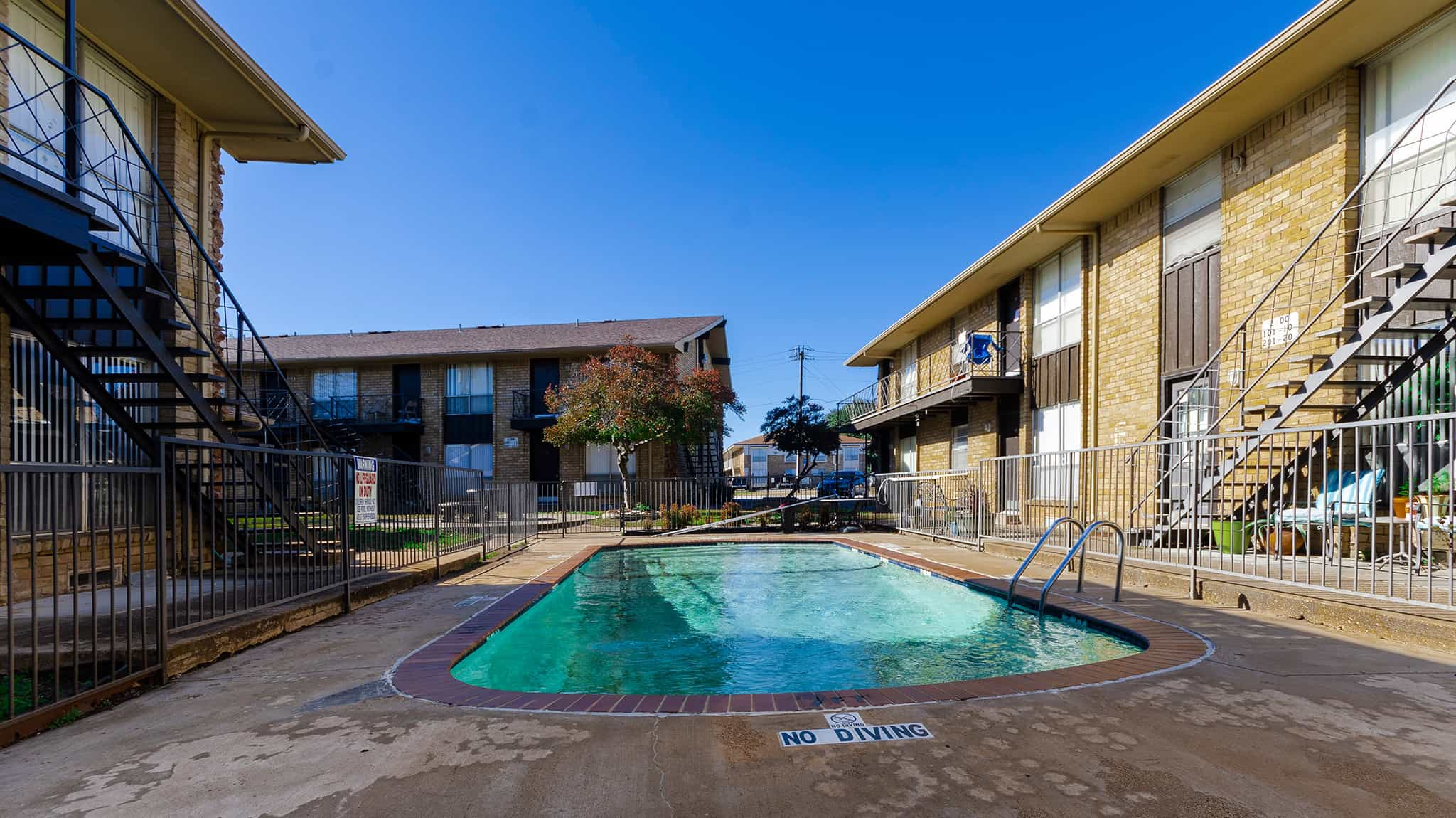 Dell Marr Apartments
