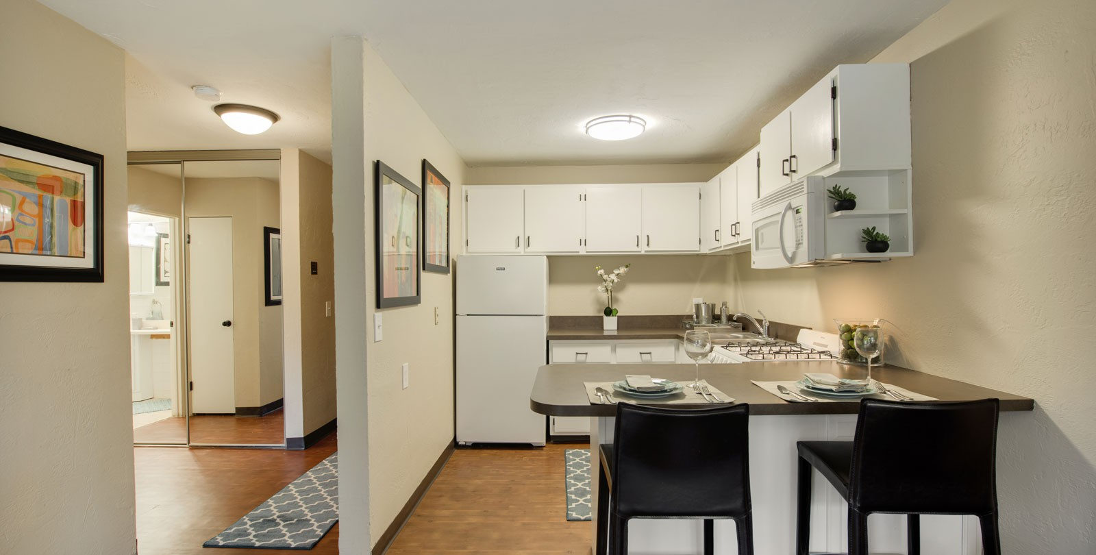 Apartments Near Capella Ridgewood Arches for Capella University Students in Minneapolis, MN