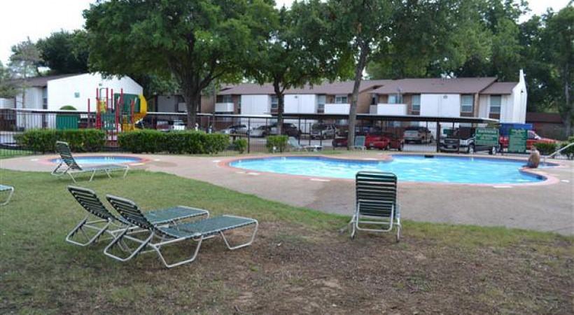 Rio Estates Apartments rental