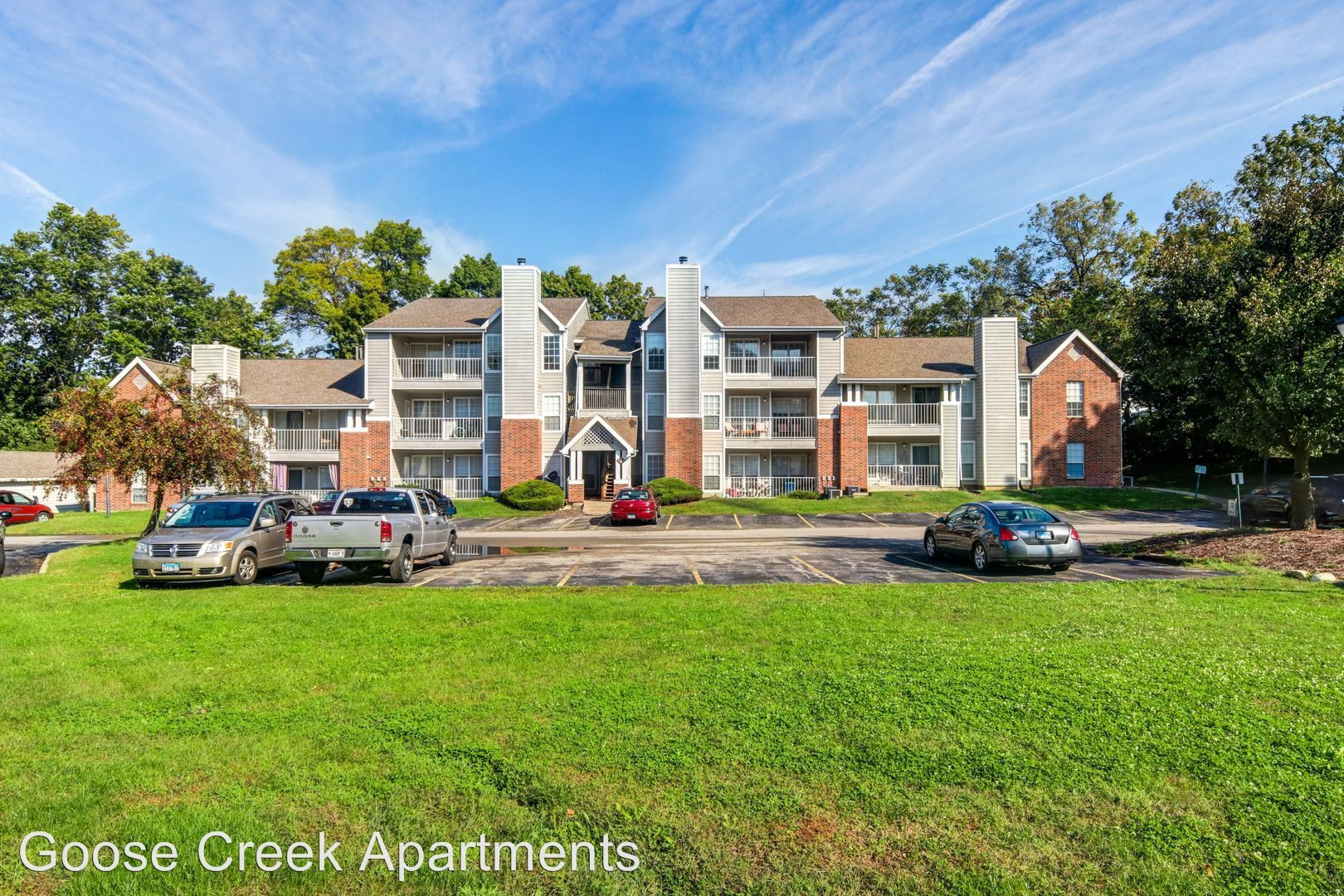 Apartments Near Illinois Wesleyan 2 Goose Creek Drive for Illinois Wesleyan University Students in Bloomington, IL
