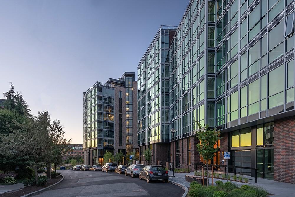 Apartments Near University of Washington 624 Yale Apartments for University of Washington Students in Seattle, WA