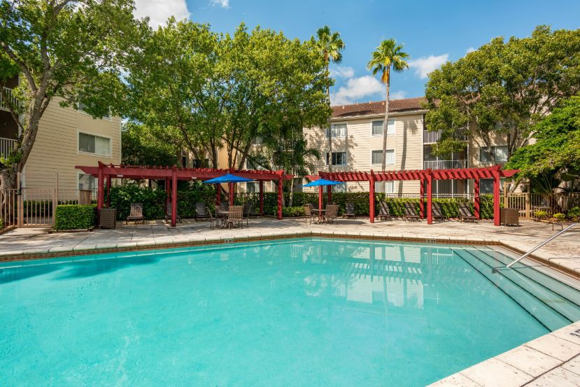 Apartments Near Everest Sabal Pointe Apartments for Everest University Students in Pompano Beach, FL