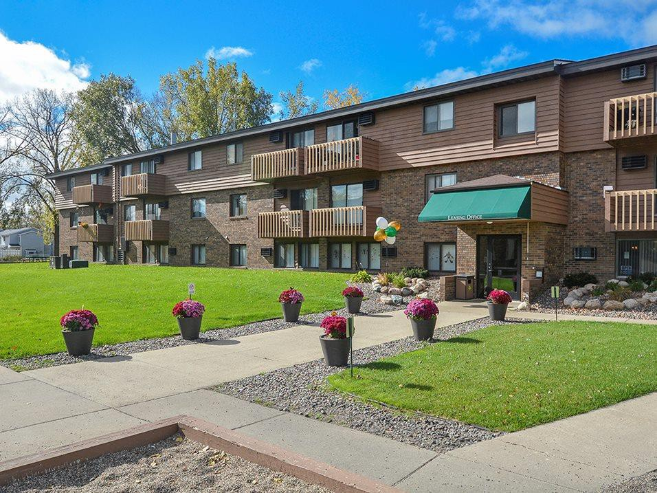 Apartments Near CSB/SJU Upper Town Apartments for College of Saint Benedict and Saint Johns University Students in Saint Joseph, MN