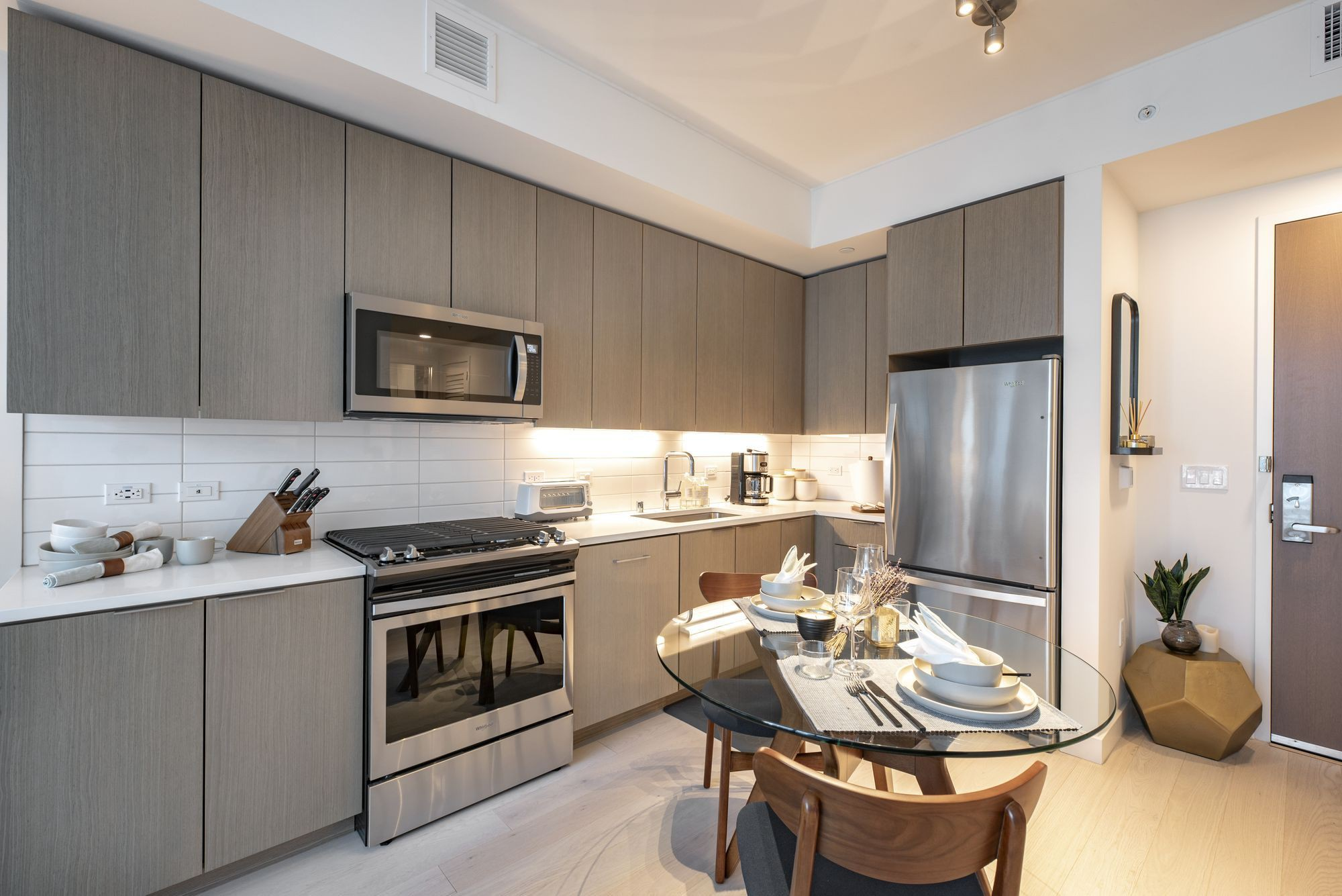 Apartments Near Los Angeles Aven for Los Angeles Students in Los Angeles, CA