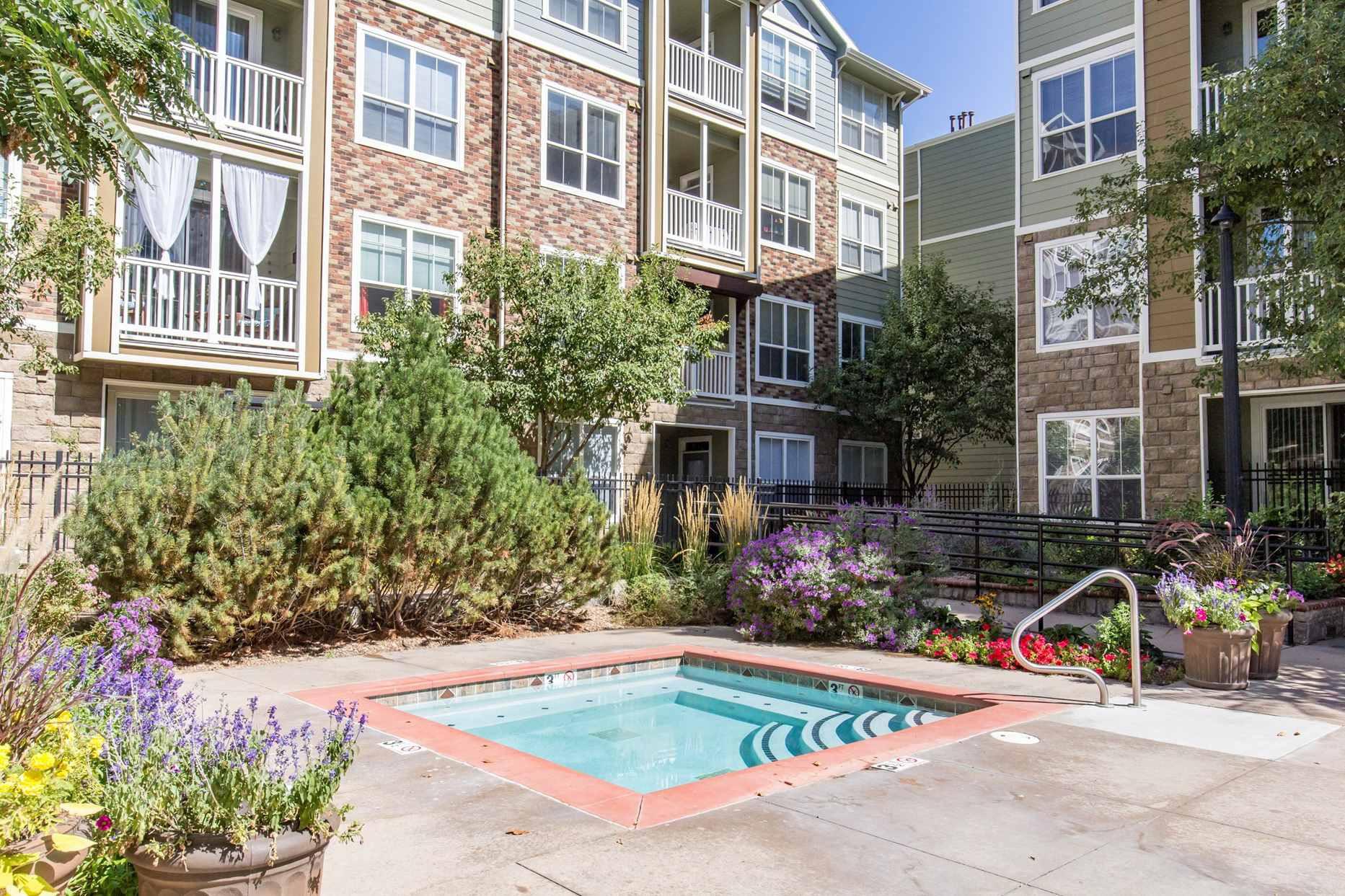 Live at Colorado Pointe Apartments
