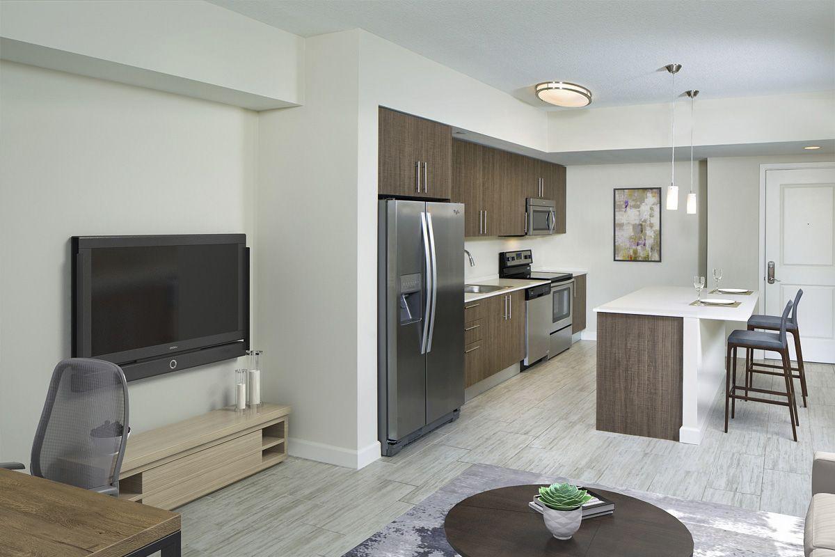 Apartments Near Eckerd Camden Pier District for Eckerd College Students in Saint Petersburg, FL