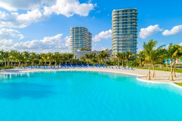 Apartments Near InterAmerican Technical Institute The Shoreline at Sole Mia for InterAmerican Technical Institute Students in Miami, FL