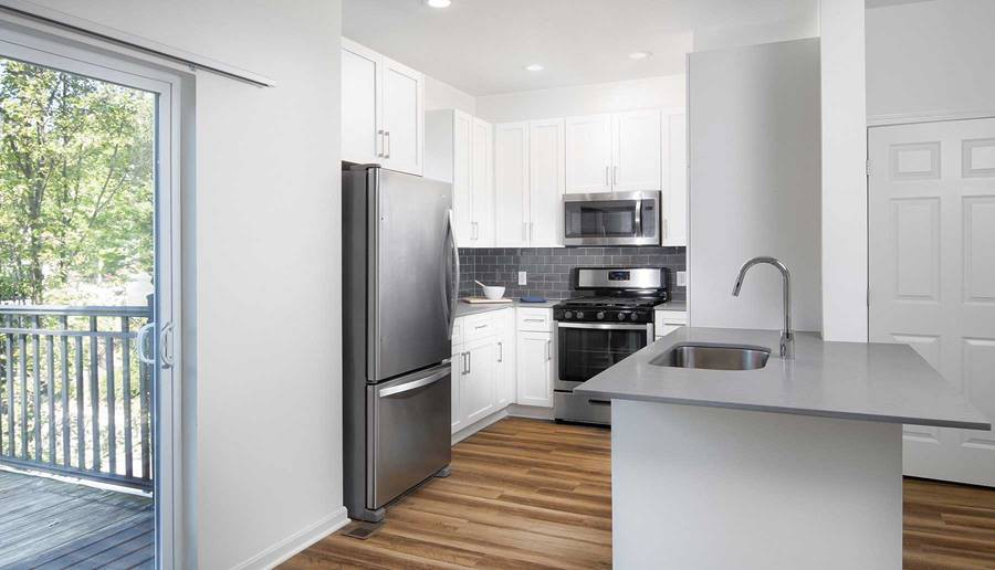 Apartments Near ENC eaves Quincy for Eastern Nazarene College Students in Quincy, MA
