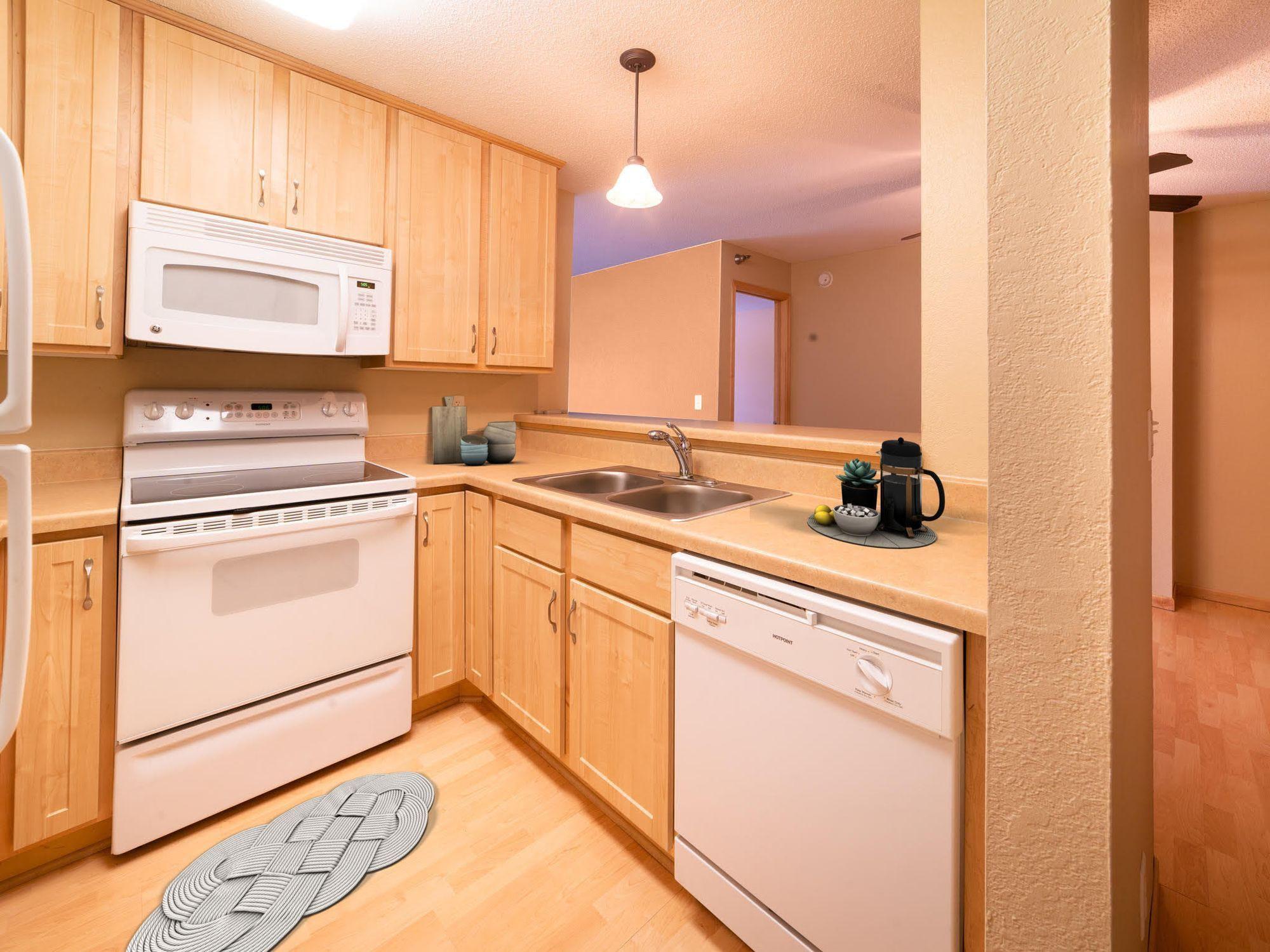 Apartments Near Metro State Maple Ridge Apartment Homes for Metropolitan State University Students in Saint Paul, MN