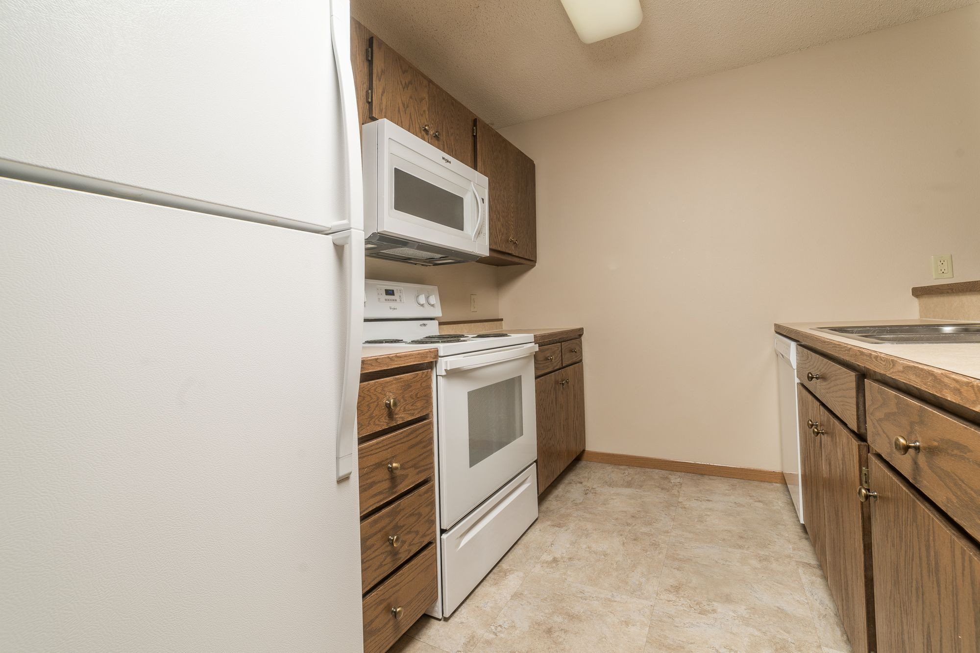 Apartments Near Augie Oxbow Estates for Augustana College Students in Sioux Falls, SD