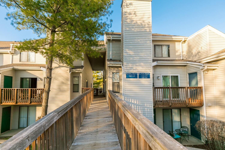 Apartments Near Lindenwood Villages of Bogey Hills for Lindenwood University Students in Saint Charles, MO