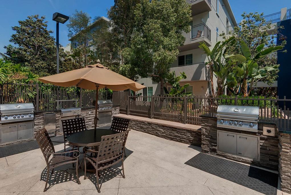 Live at Fountain Park at Playa Vista