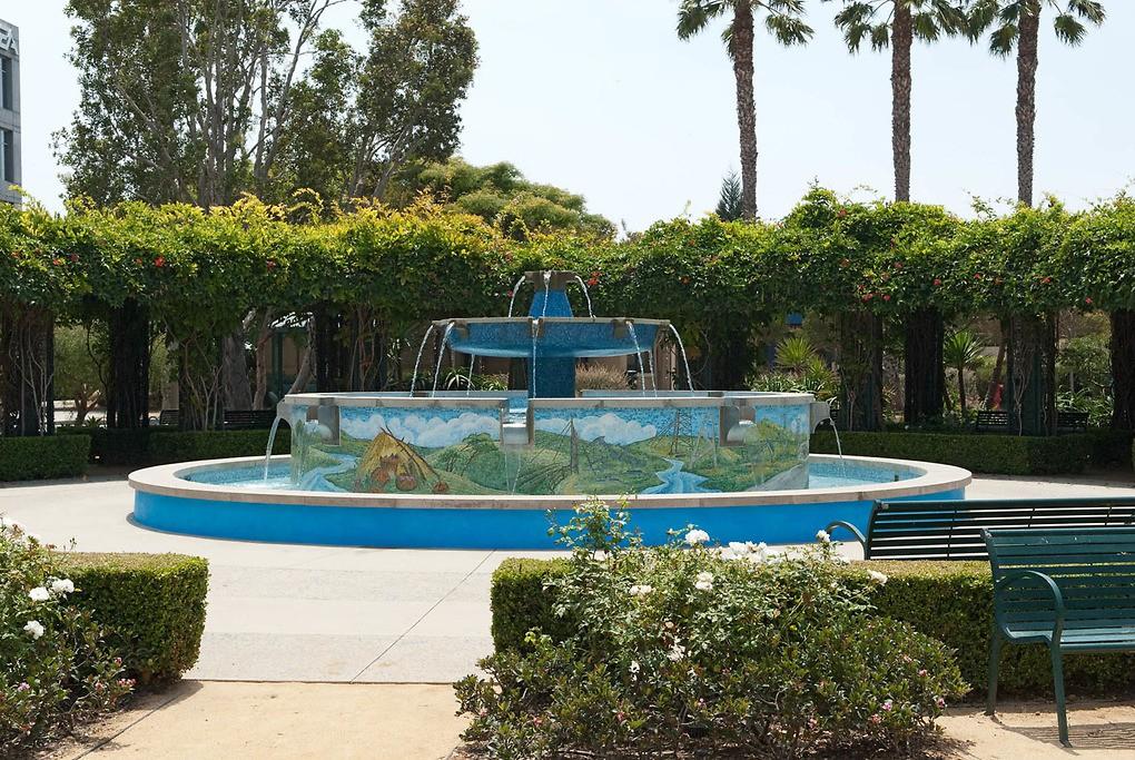 Fountain Park at Playa Vista