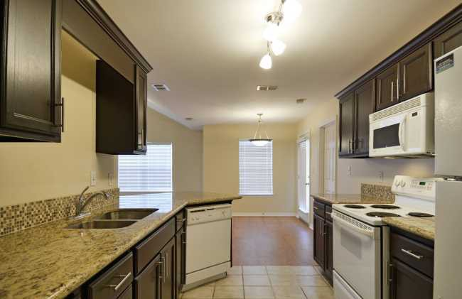 Apartments Near RGV Careers Villas De Nolana for RGV Careers Students in Pharr, TX