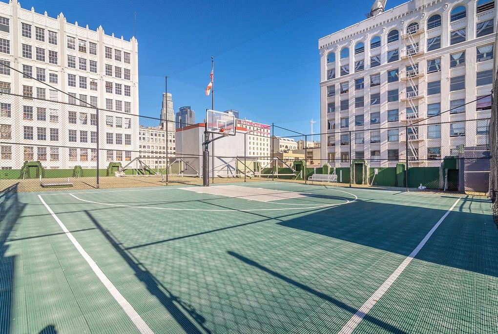 Santee Court