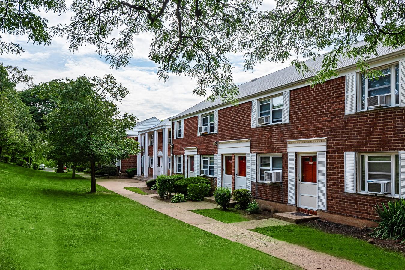 Ridgefield Gardens rental