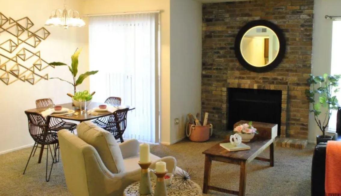 Apartments Near UTEP Chimneys Apts. for University of Texas at El Paso Students in El Paso, TX