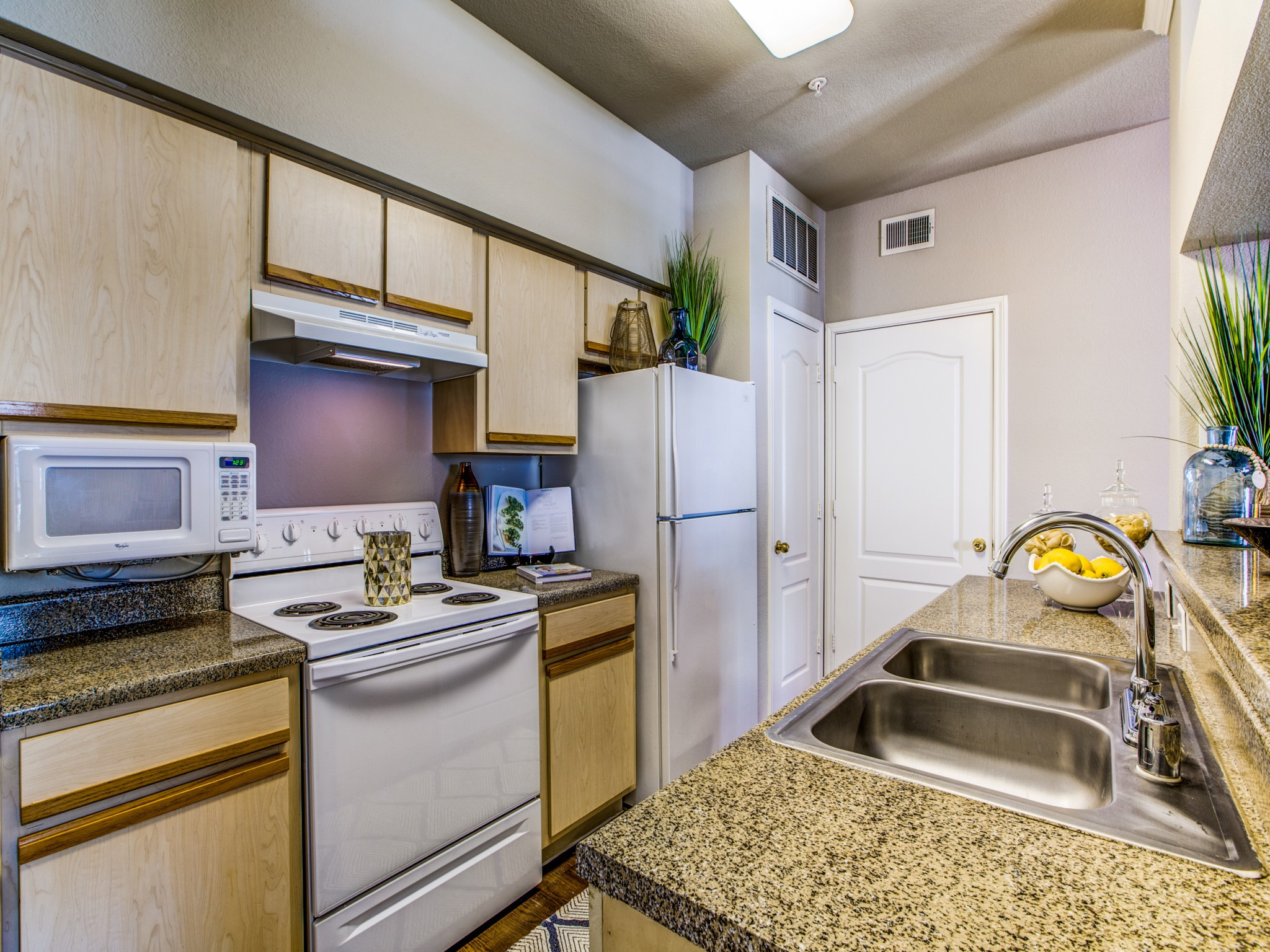Mandolin Apartments rental