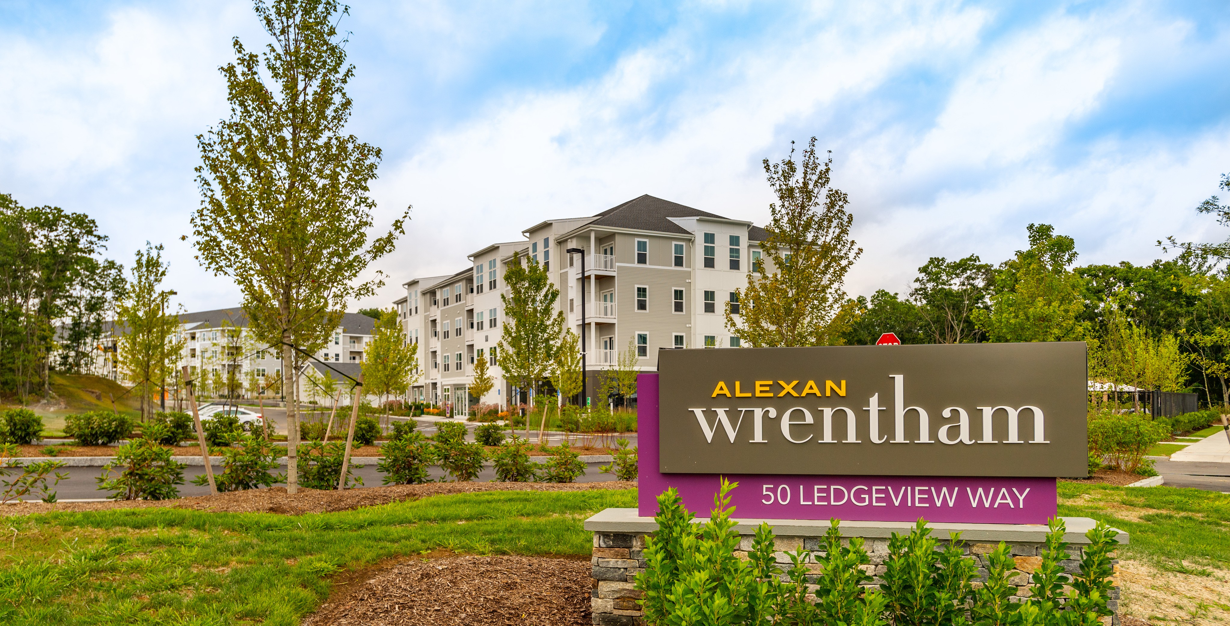 Apartments Near Dean Alexan Wrentham for Dean College Students in Franklin, MA