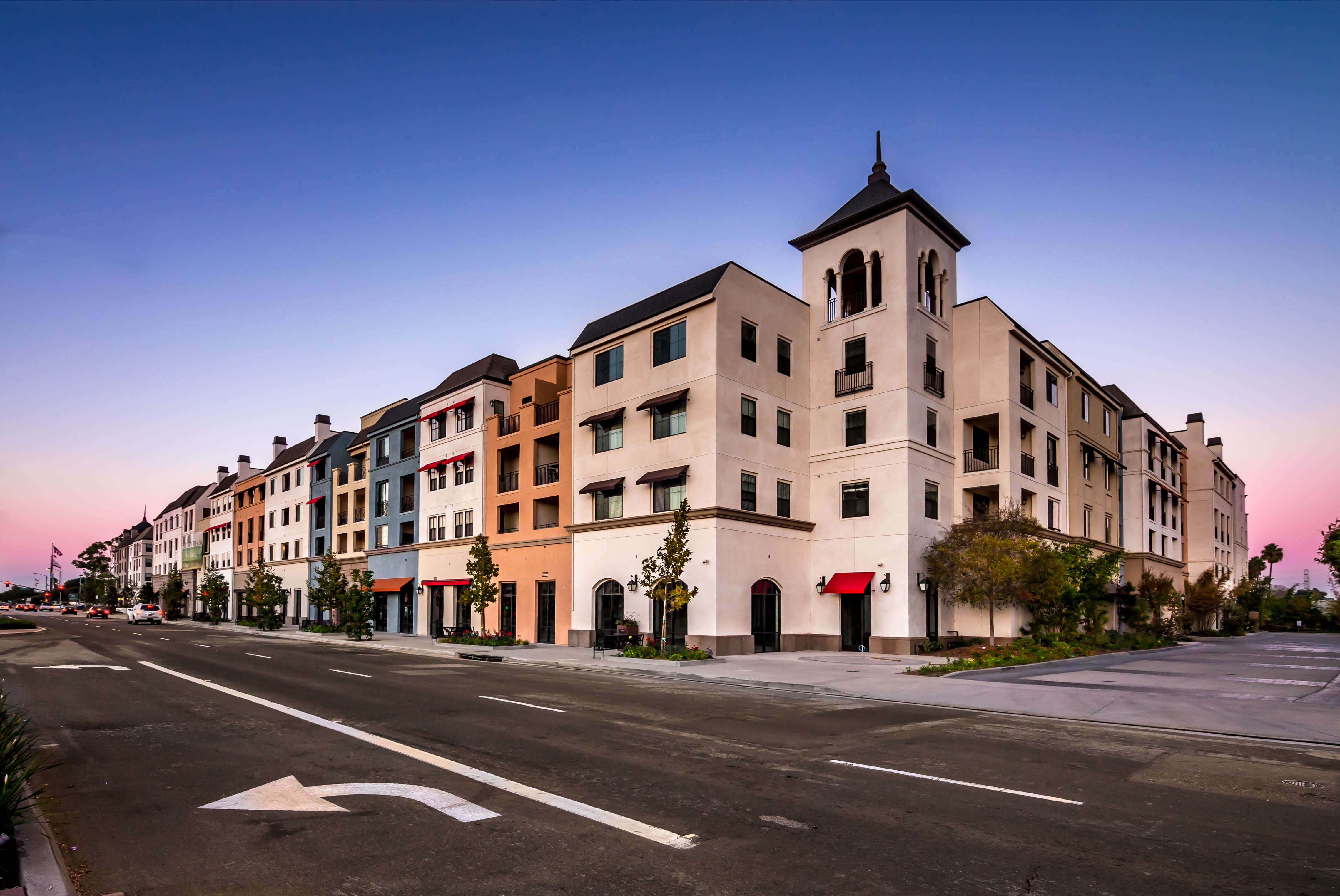 Apartments Near CSUDH Renaissance at City Center for California State University-Dominguez Hills Students in Carson, CA