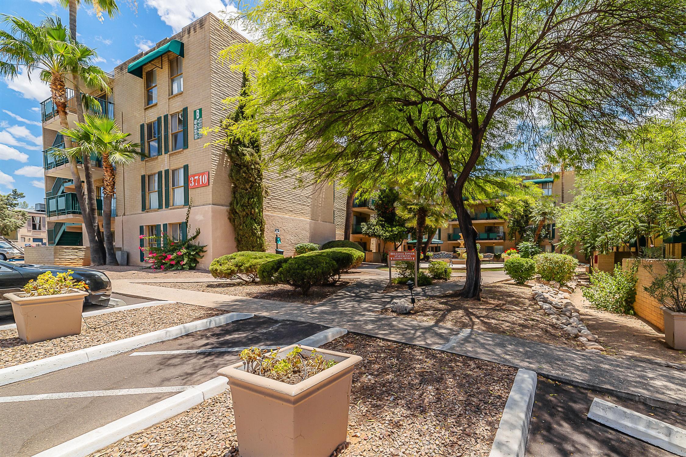 Apartments Near University of Arizona Bellevue Towers for University of Arizona Students in Tucson, AZ