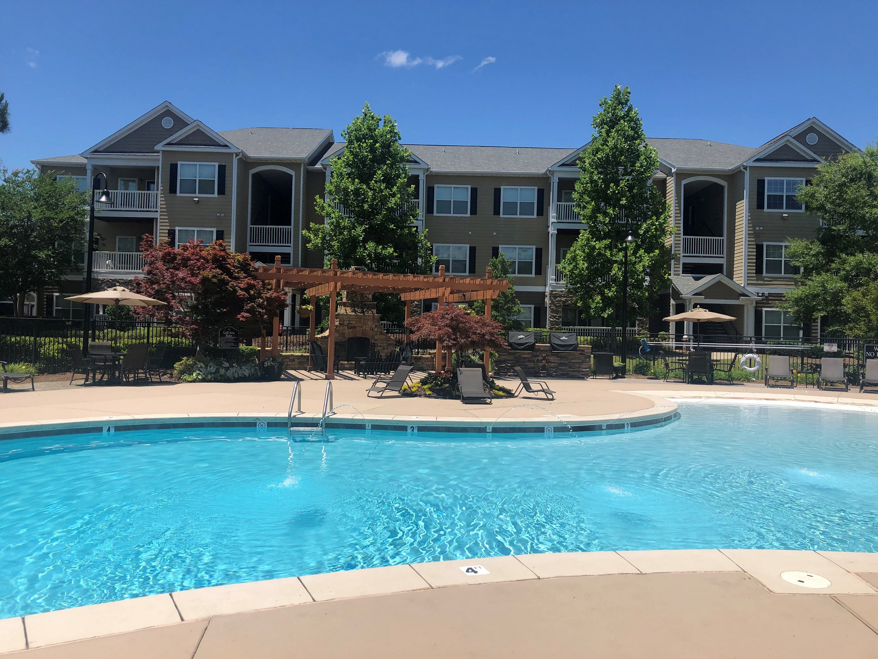 Apartments Near Faulkner Legends at Taylor Lakes for Faulkner University Students in Montgomery, AL