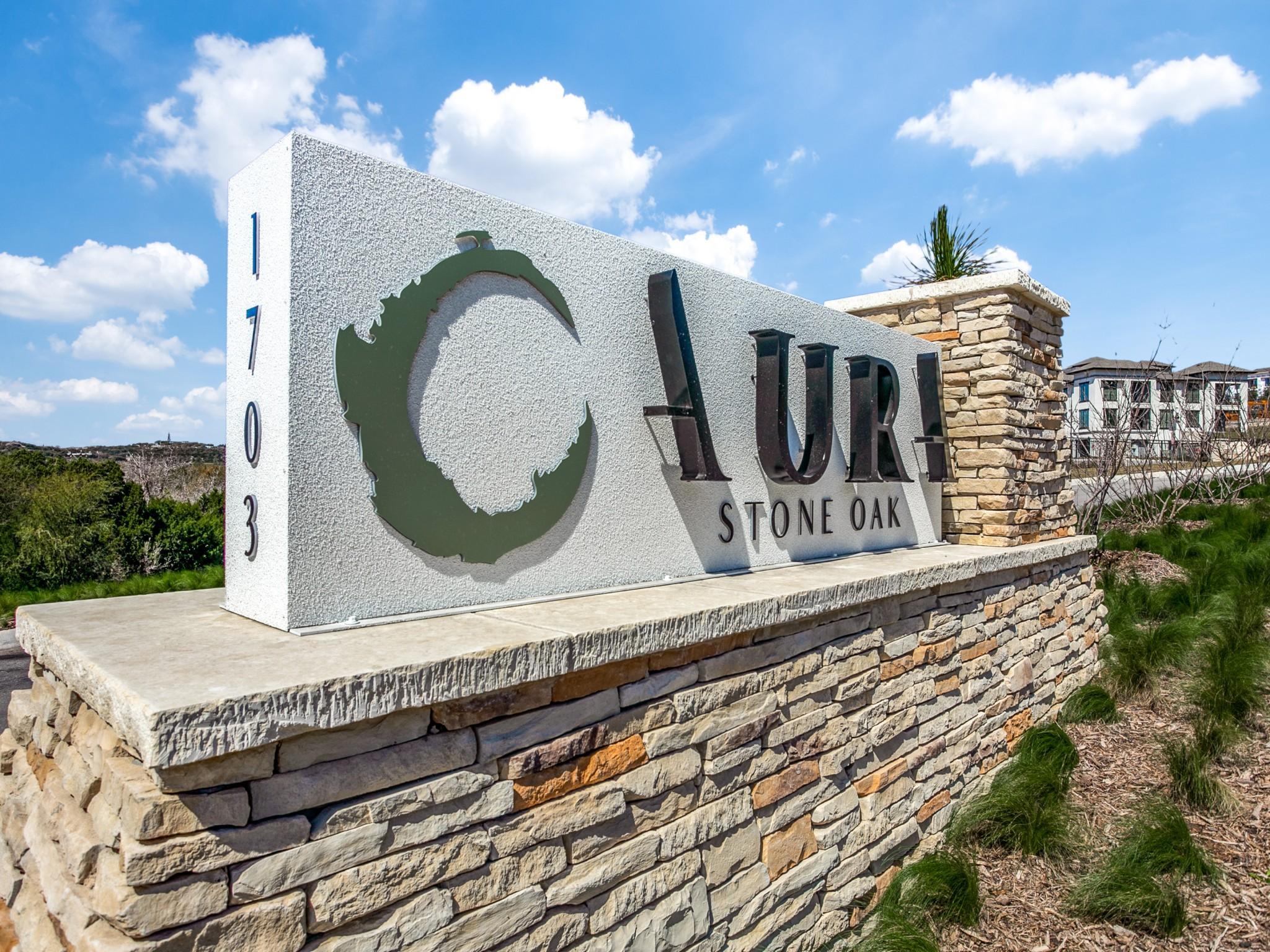 Aura Stone Oak