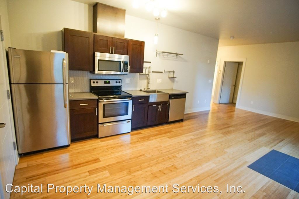 Apartments Near Concordia 909 NE Oneonta St for Concordia University Students in Portland, OR