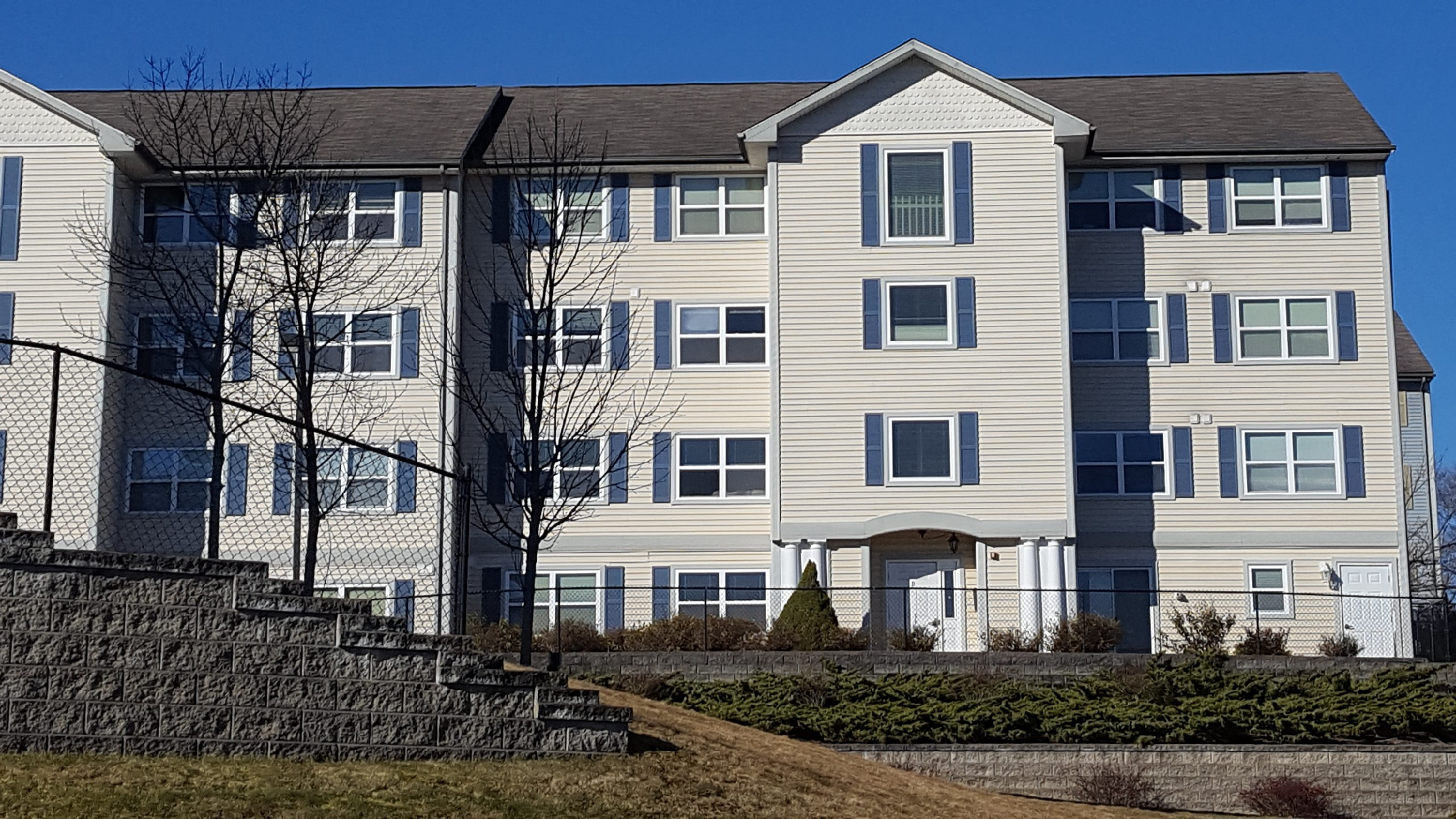 Apartments Near ECSU Huntington Ridge Apartments for Eastern Connecticut State University Students in Willimantic, CT