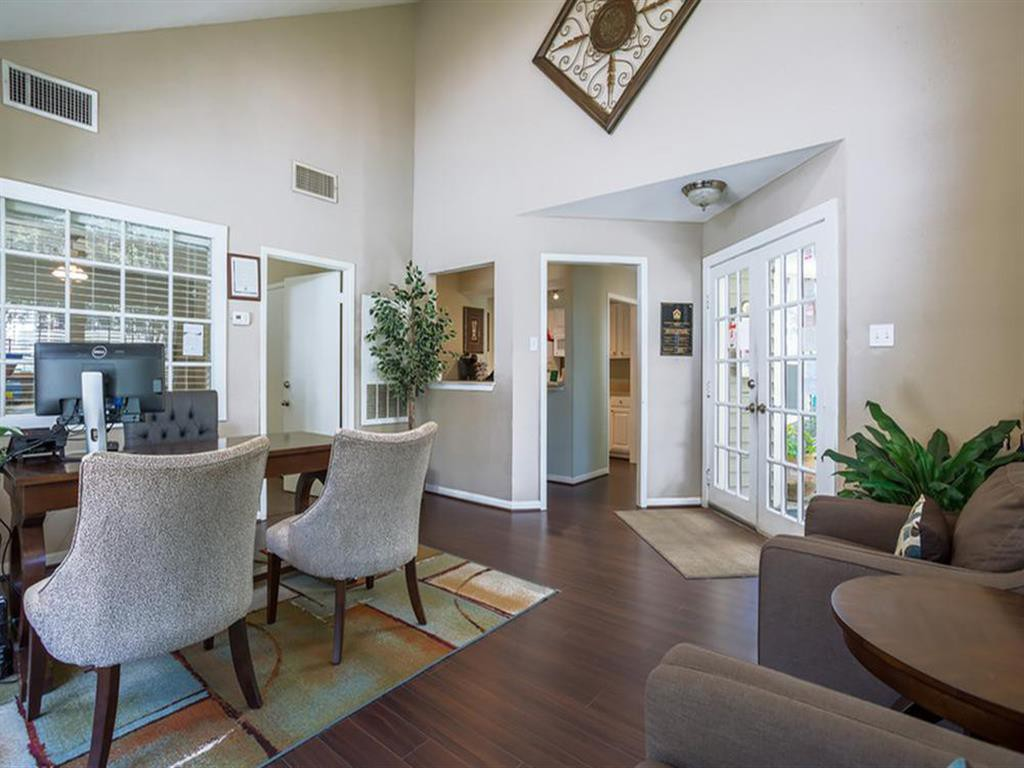 Brandon Oaks Apartments rental