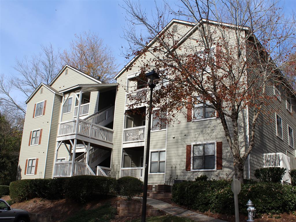 Apartments Near UNG Towne Creek for University of North Georgia Students in Oakwood, GA