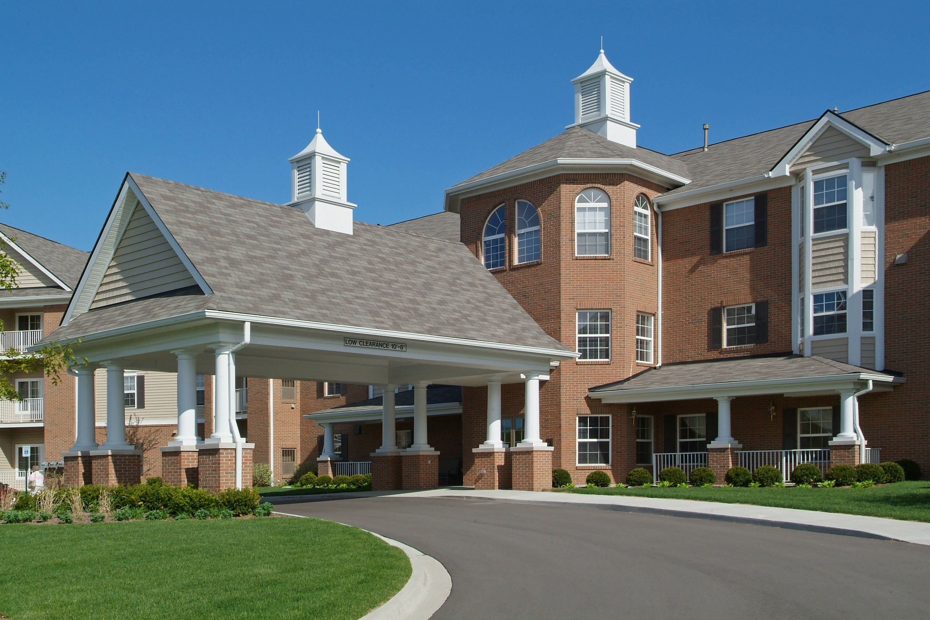 Apartments Near Lawrence Tech Elmhaven Manor - Senior Living for Lawrence Technological University Students in Southfield, MI
