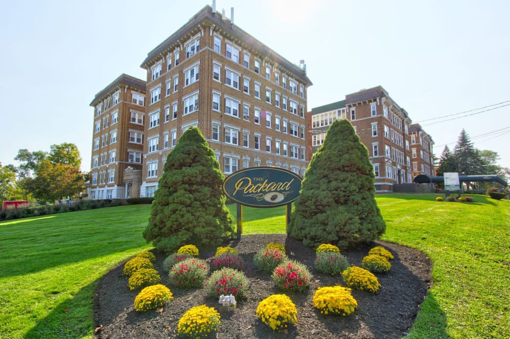 Apartments Near Saint Joseph The Packard for Saint Joseph College Students in West Hartford, CT
