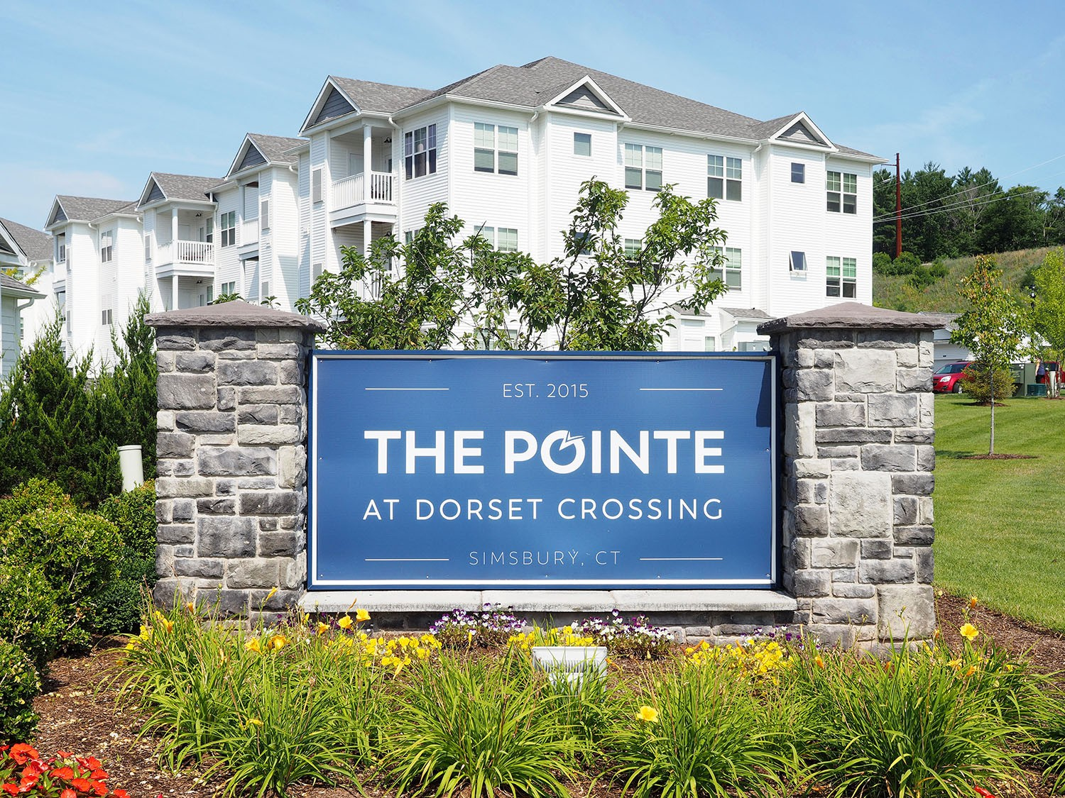 Apartments Near Trinity The Pointe at Dorset Crossing for Trinity College Students in Hartford, CT