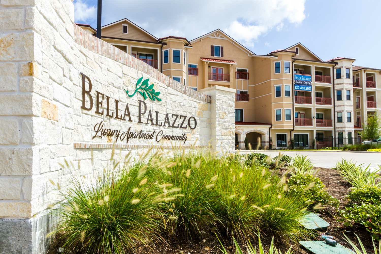 Apartments Near Strayer University-Northwest Houston Bella Palazzo for Strayer University-Northwest Houston Students in Houston, TX