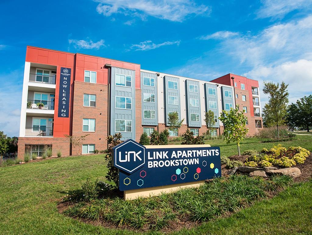 Apartments Near North Carolina Link Apartments® Brookstown for North Carolina Students in , NC