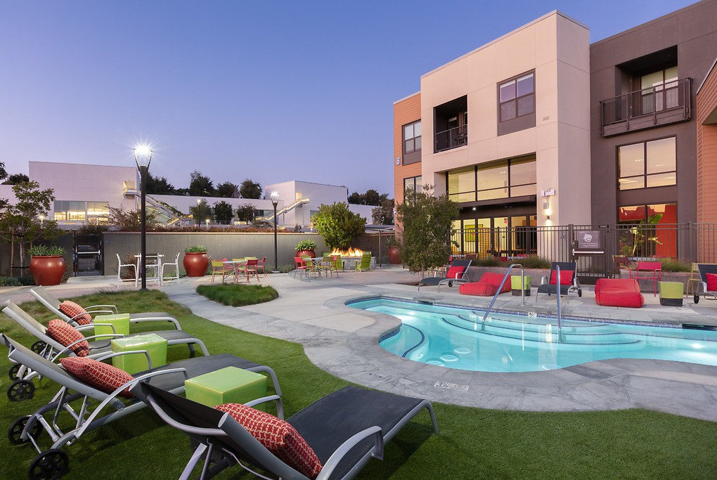 Apartments Near Menlo 777 Hamilton for Menlo College Students in Atherton, CA