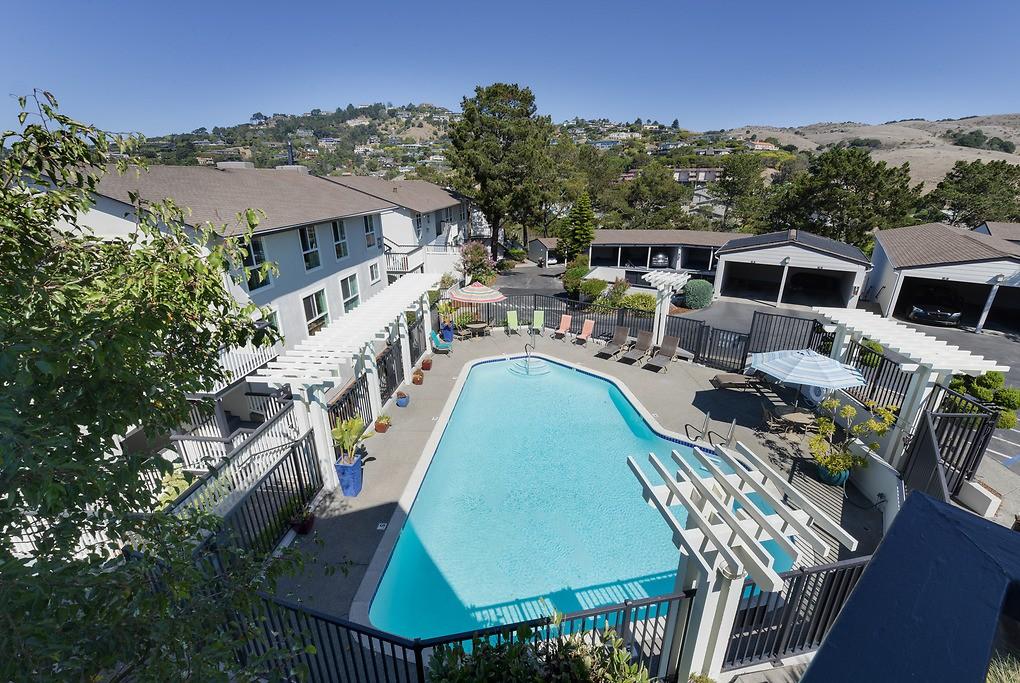 Apartments Near Dominican Vista Belvedere for Dominican University of California Students in San Rafael, CA