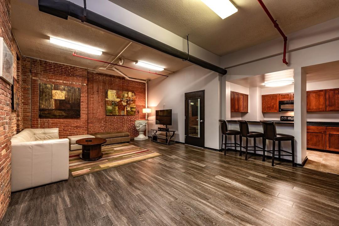 Marlboro Classic Apt & Redwood Square rental