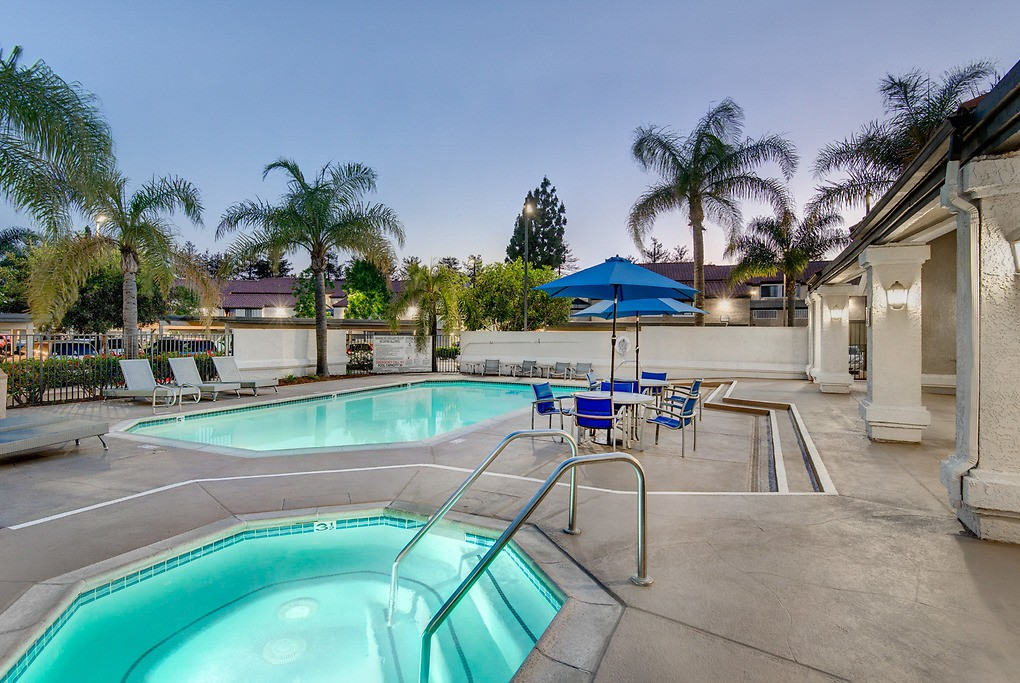 Apartments Near AICA-OC Parkside Court for The Art Institute of California-Orange County Students in Santa Ana, CA