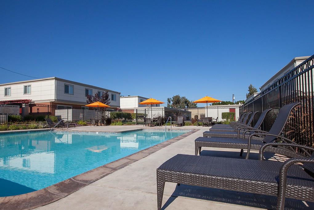 Apartments Near De Anza The Pointe at Cupertino for De Anza College Students in Cupertino, CA