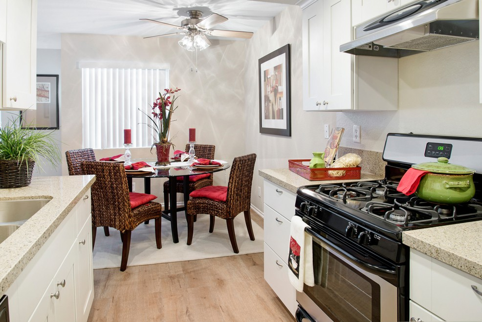 Apartments Near CCCD Greystone for Coast Community College District Students in Coasta Mesa, CA