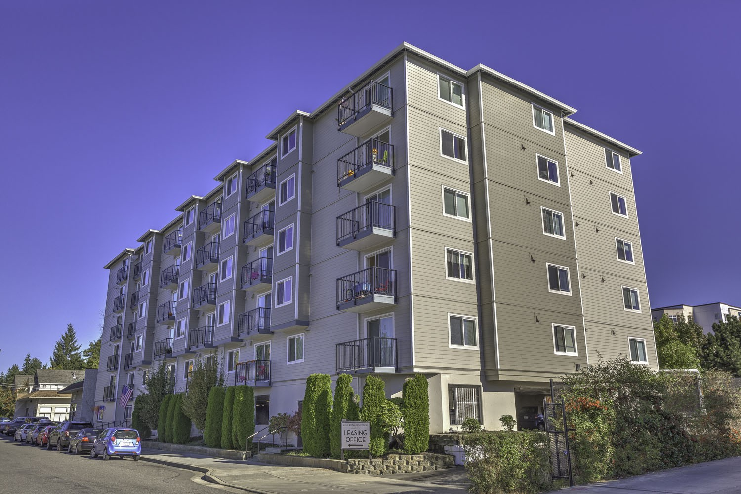Apartments Near Bastyr King Arthurs Court for Bastyr University Students in Kenmore, WA